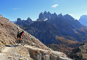 ITALY, THE DOLOmites in mountainbiking